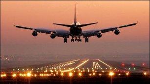 Plane-landing-at-Airport