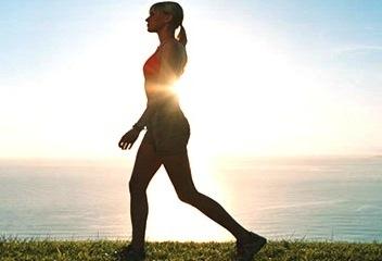 Los-beneficios-para-la-salud-de-caminar-en-forma-diaria